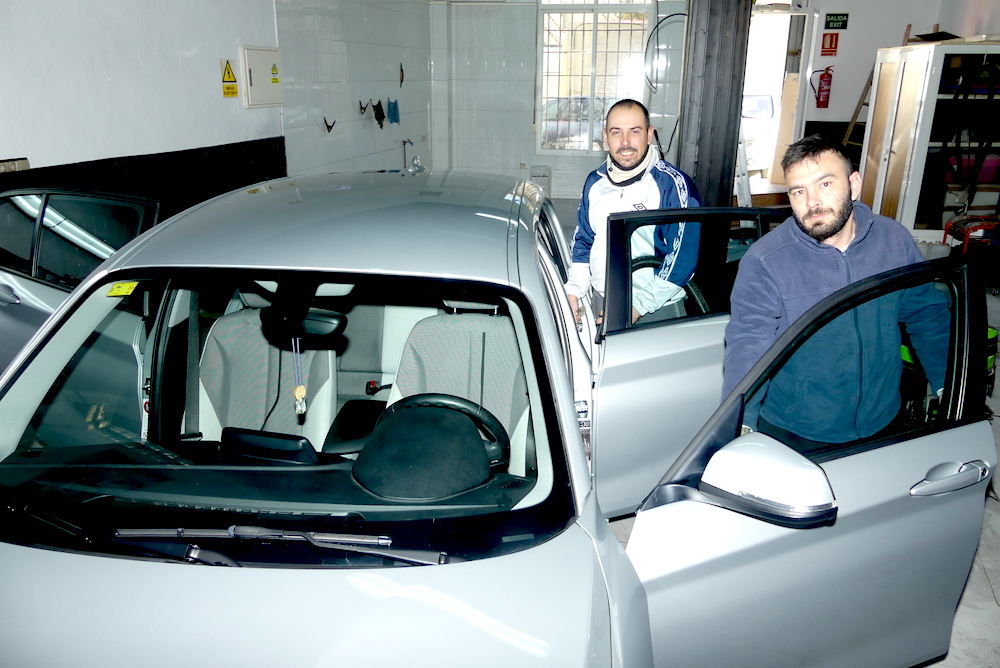 Está usted en la galería de fotos de la noticia: Pon guapo a tu coche también durante el Cante de las Minas